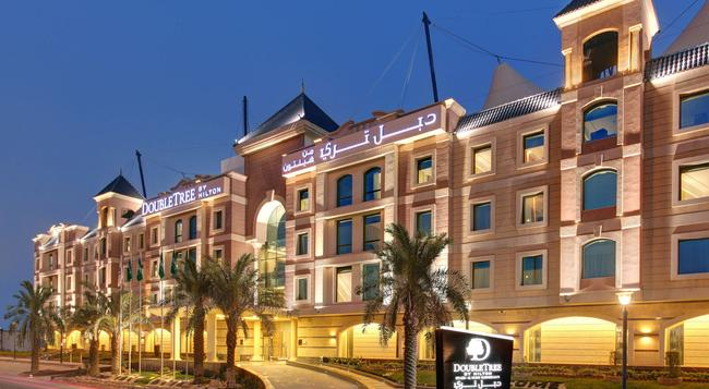 DoubleTree by Hilton Hotel Riyadh - Al Muroj Business Gate - リヤド - 建物