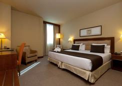 ホテル ヌエボ マドリード - マドリード - 寝室
