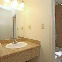 キャンドル ベイ イン Bathroom