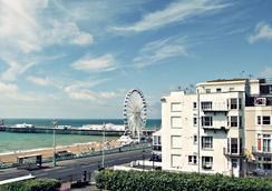 ニュー コスモポリタン - Brighton - アトラクション