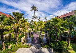 バリ ダイナスティ リゾート - クタ - 屋外の景色