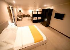 ザ ホテル アット グリーン サン - マニラ - 寝室