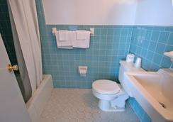 Newport Beach Resort - ワイルドウッド - 浴室
