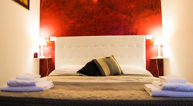 カーサ カンポ デ フィオーリ - ローマ - 寝室