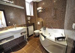 クイーンズ アストリア デザイン ホテル - ベオグラード - 浴室