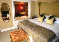 ウェッジウッド ホテル & スパ - バンクーバー - 寝室