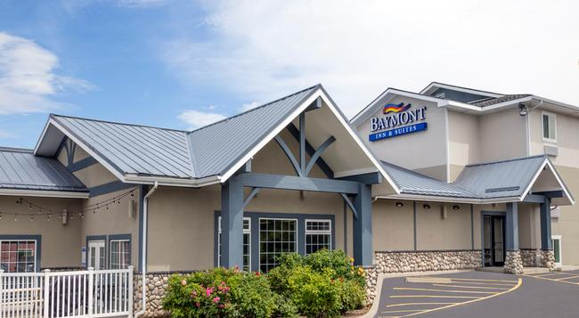 Baymont Inn & Suites Spokane Valley - スポケーン - 建物