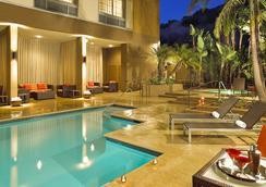 コートヤード バイ マリオット サンディエゴ ミッション バレー / ホテル サークル - サンディエゴ - プール