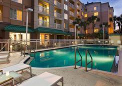 Courtyard by Marriott Orlando Downtown - オーランド - プール