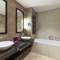 Hotel de la Paix, a Ritz-Carlton Partner Hotel Bathroom