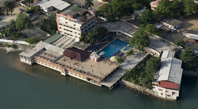 Hotel Du Lac - Cotonou - 建物