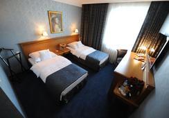 ホテル ヴウォスキ ビジネス セントラム ポズナン - ポズナン - 寝室