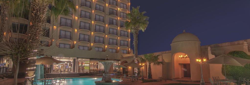 ホテル ルセルナ シウダー フアレス - Ciudad Juarez - 建物