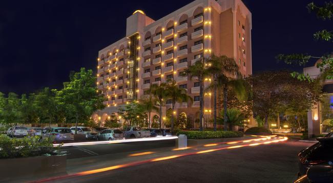 Hotel Lucerna Culiacan - クリアカン - 屋外の景色