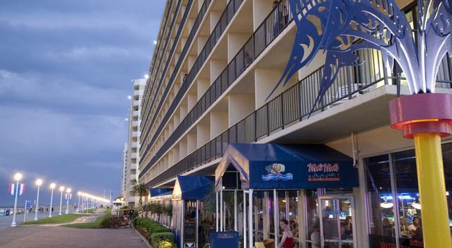 Ramada Virginia Beach Oceanfront - バージニア・ビーチ - 建物