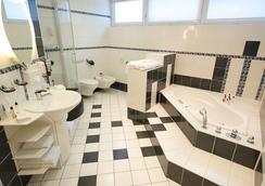 シティ ホテル ベルリン イースト - ベルリン - 浴室