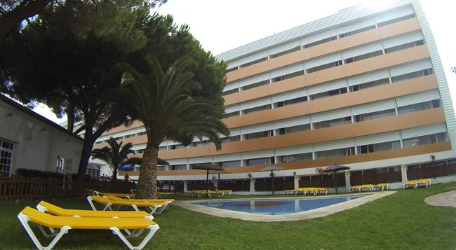 Carabela Beach & Golf Hotel - Matalascañas - 建物