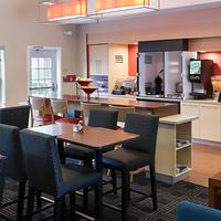 TownePlace Suites by Marriott Dallas Arlington North Breakfast Area