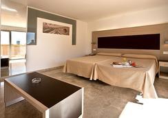 ダイナスティック - ベニドーム - 寝室