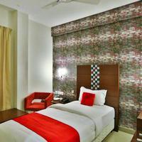 Hotel Vels Grand Inn