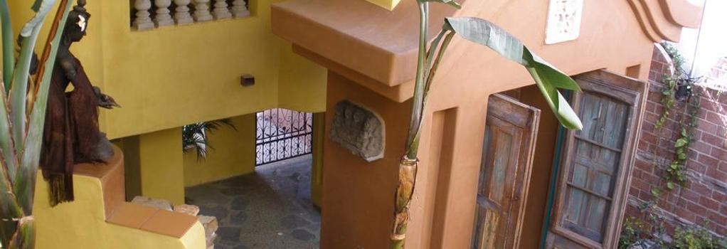 Secret Garden Inn - デル・マー - 建物