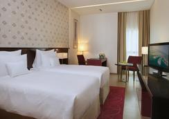 コスモポリタン ホテル ドバイ アル バルシャ - ドバイ - 寝室