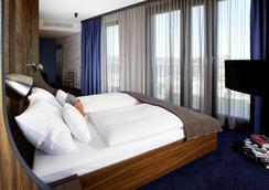 25アワーズ ホテル ハーフェン シティ - ハンブルク - 寝室