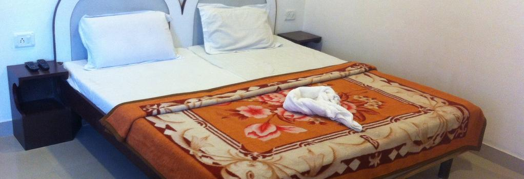 Hotel Safari - アーグラ - 寝室
