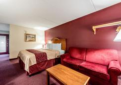 Red Roof Inn & Suites Pigeon Forge - Parkway - ピジョン・フォージ - 寝室