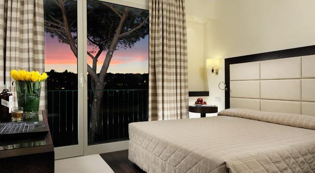 ホテル ヴィラ マリア レジーナ - ローマ - 寝室