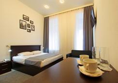 White & Black Home - サンクトペテルブルク - 寝室