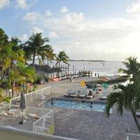 ベイサイド イン キーラーゴ Pool and Florida Bay view