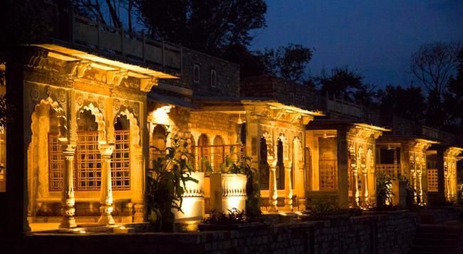 Neemrana's - Deo Bagh - Gwalior - 建物