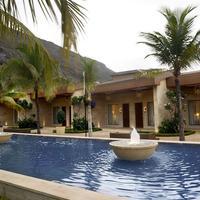 Della Resorts Fountain
