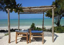 Mbuyuni Beach Village - Bungalows - Jambiani - ビーチ
