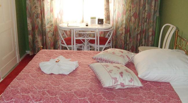 ホテル ペンション インゲボルク - ベルリン - 寝室