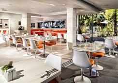 スポーツマンズ ロッジ ホテル - ロサンゼルス - レストラン
