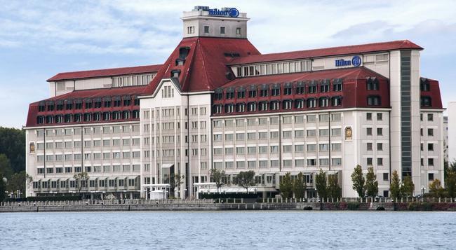 ヒルトン ヴィエナ ドナウ ウォーターフロント - ウィーン - 建物