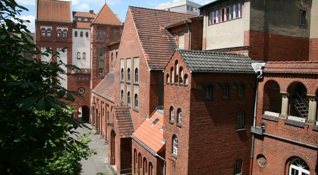 スリー リトル ピッグス ホステル ベルリン - ベルリン - 建物