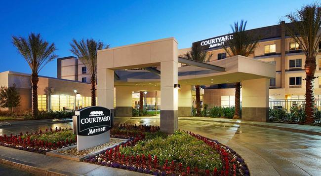 Courtyard by Marriott Long Beach Airport - ロングビーチ - 建物