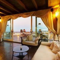 デス エトランジェス ホテル & スパ Bar/Lounge