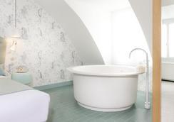 ホテル ラ ラパン ブラン - パリ - 浴室