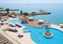 ザ ロイヤル アポロニア - Limassol - プール