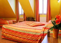 コライユ - パリ - 寝室
