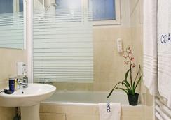 コライユ - パリ - 浴室