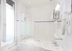 ヒポテル パリ ガール ドゥ ノール メリル - パリ - 浴室