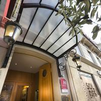ロイヤル サン ミシェル Hotel Entrance