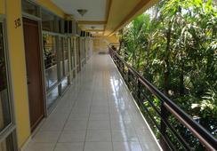 Gran Hotel Paris - La Ceiba - 屋外の景色