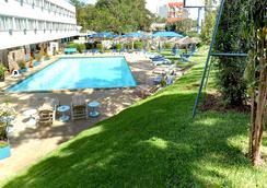 Sentrim Boulevard Hotel - ナイロビ - プール