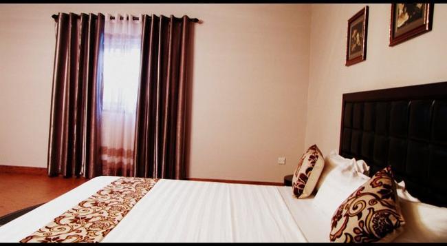 Luxe Suites Hotel - アクラ - 寝室